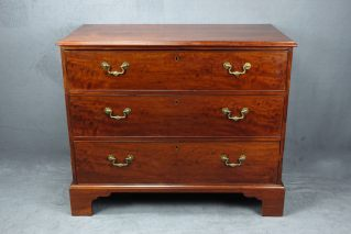 QUEEN ANNE CHEST OF DRAWERS ENGLISCHE KOMMODE MAHAGONI ENGLAND UM 1790